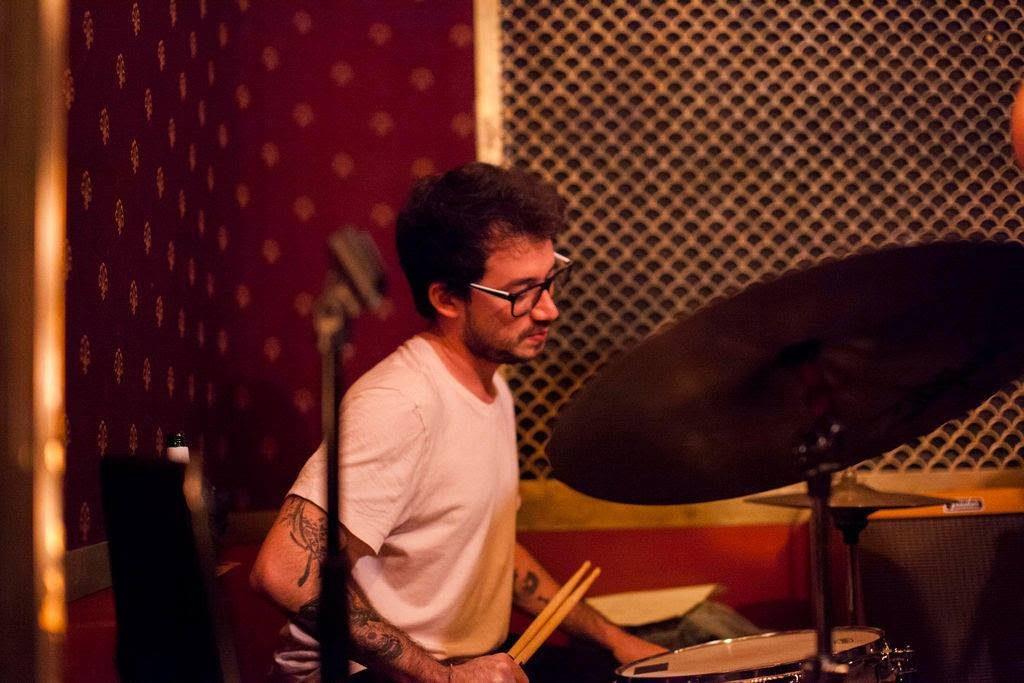Alejandro Vega: bateria y producción de sello nicaragüense