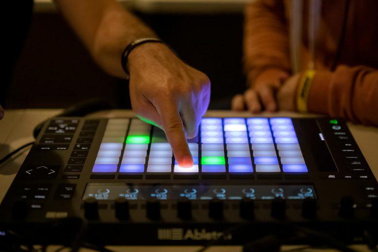 DJLab Diseño de Sonido En Línea 1